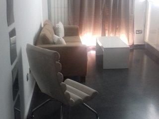 Apartamento 2E - Cama matrimonial con sofá-cama en salón