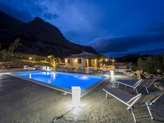 Villa Mari e Monti con piscina