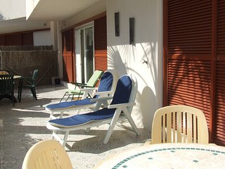 Lovely well appointed 3 bed south facing ground floor apartment with large patio, Playa Flamenca