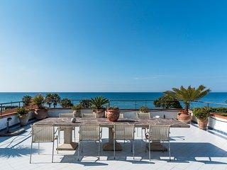 Villa Gio ...villa al mare con piscina privata a pochi passi dal mare