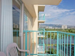 Aloha Surf #711 - Sleeps 4, w/ Kitchenette & Balcony