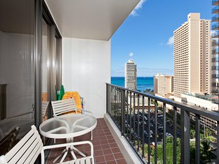 Suite 1806-T1 Waikiki Banyan Ocean View Hawaii - Free Parking