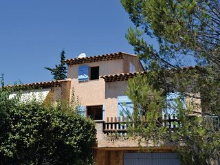 3 bedroom Villa in La Croix Valmer, Var, France : ref 2220431