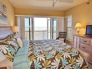 Newly decorated two bedroom with an unobstructed Gulf view, B2911A