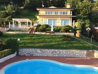 Villa Claudia, Tuscany villa near the beach only 10 km away