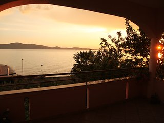 Apartments Lucija - Traditional One-Bedroom Apartment with Balcony and Sea View