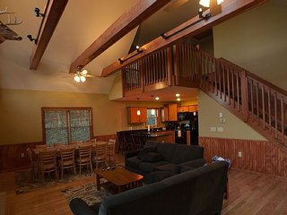 LAKE HARMONY LODGE:6 Bedroom/Lake View/Free Linens, Lago Harmony