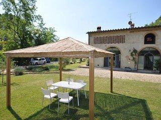 2 bedroom Villa in San Gimignano, Tuscany, Italy : ref 2266044, Montecchio