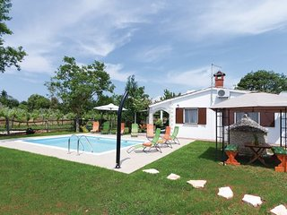 3 bedroom Villa in Rovinj, Rovinj, Croatia : ref 2278074