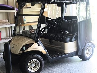 Special April Rates! Complimentary golf cart in The Village of Liberty Park!