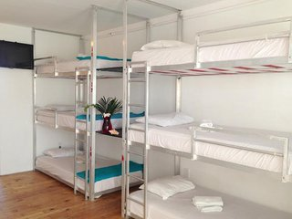 S. BEACH 2 ROOM BUNKS: POOL-SPA-BBQ. WALK TO EVERYTHING!