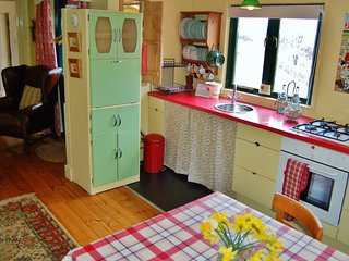 Ty Mamgu The Wooden Cabin at Nantgwynfaen Organic Farm Nr NewQuay CardiganBay