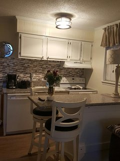 Condo 208-B Island Bar and Kitchen at Tybee Island, GA