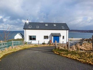 COAST HOUSE, detached, en-suite, woodburner, dog-friendly, stunning views, near, Laide