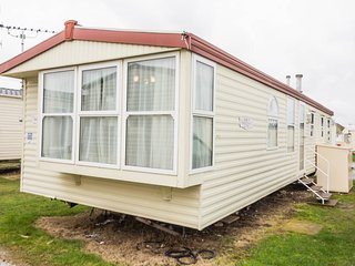 Ref  90047, Seaview are at kessingland Beach , 3 Bed, 8 Berth static caravan.