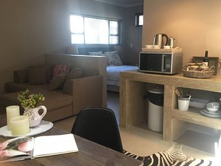 Contemporary Apartment within Golf Estate & Resort, Windhoek