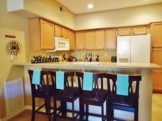 Quiet 2 Bedroom Condo on the 1st Floor, Chandler