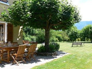 ST-JORIOZ, 300m du lac, Maison 230m2, jardin, calme, 12 pers, Saint-Jorioz