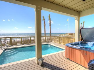 Holiday Fin - 6 Bdrm Beachfront Home - Private Pool & Huge Hot Tub! Game Tables!