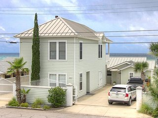 2 Beachfront Homes with Private Hot Tub!, Panama City Beach