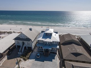 Making Waves - Private Home! 9 Bdrms! Beachfront Pool & Hot Tub!  Best in PCB!