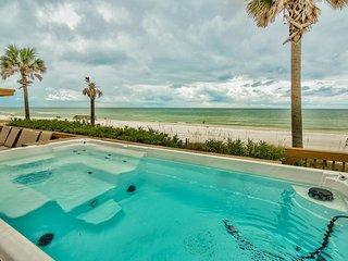 Golden Beach House - Beachfront Home w/ New Swim-Spa - Huge 67 Foot Party Deck!, Panama City Beach