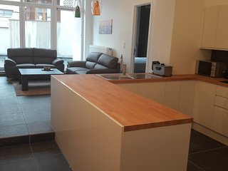 Panorama Flats - City Center - Appartment 2- 6 pers, Brussels