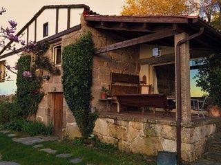 iDisponible 2018! Casa tradicional en valle gallego con vistas al Atlantico