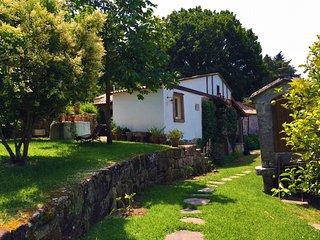 ¡Disponible 2018! Casa tradicional en valle gallego con vistas al Atlántico