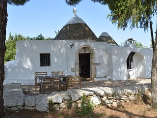 TrulloTranquillo - Trullo with pizza oven in peaceful location