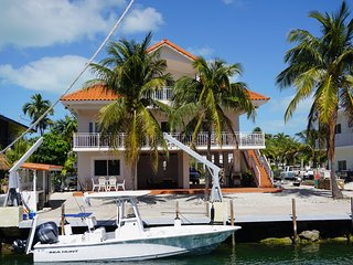 Seas the Day in this Waterfront Home on Oceanside MM90, Tavernier