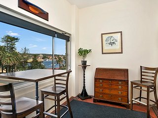 Ideal Manly Location, Views + Easy For Ferry MAN93