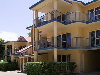 Beach Court - Cannonvale