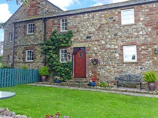 WESTGATE COTTAGE sandstone cottage, romantic, good touring location, Appleby-in-Westmorland Ref 939689