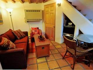 Casas de Guadalupe - Casita G - Comfortable and Cozy One Bedroom Loft