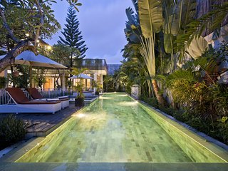 Zollina Villa. Hi-end. Luxury 4BR villa. Seminyak