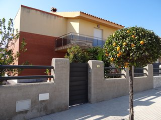 House - 500 m from the beach, Tarragona