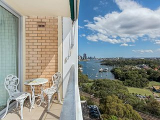 Stunning Harbour View Home, Waverton