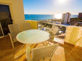 Beautiful 1½ Bedroom Condo on the Sea of Cortez at Las Palmas Resort D-702