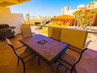 Beautiful 2 Bedroom Condo on the Sea of Cortez at Las Palmas Resoort D-201