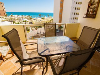Beautiful 1 Bedroom Condo on the Sea of Cortez at Las Palmas Resort BN-403B