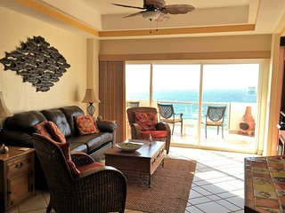 Las Palmas Resort at Sandy Beach: Condo Grande 704