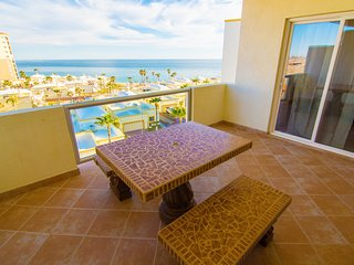 Beautiful 11/2 Bedroom Condo on the Sea of Cortez at Las Palmas Resort BN-502