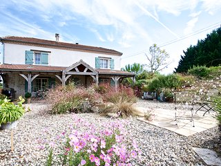 Beautifully renovated farm house with private heated pool