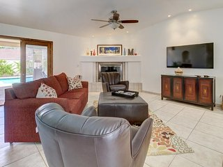Quiet gated home w/ private pool - hiking & Old Town close by!