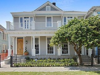 High End 5 BR Lower Garden District