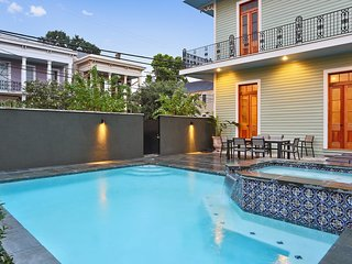 Luxury Garden District Heated Pool and Jacuzzi