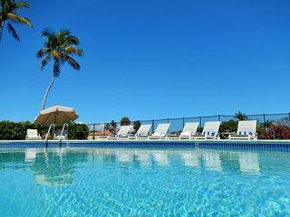 Best Pool, Views, Location & Layout on Marco Island - Free WiFi & National Calls