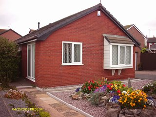 Near LLandudno 3 bed Bungalow sleeps 5 Deganwy BOOK NOW FOR 2019 WITH15% DEPOSIT