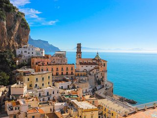 LivingAmalfi Paradiso Residence, 2 apartments, up to 20 guests! Wifi, sea view., Atrani